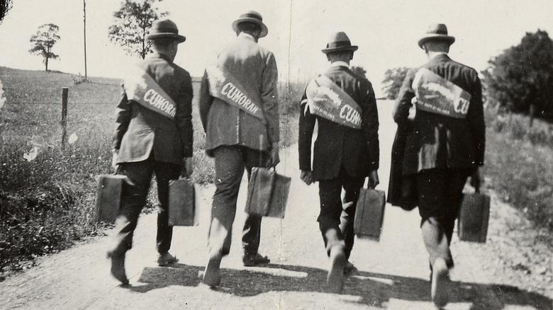 Missionaries on the road to 1923 Cumorah Conference