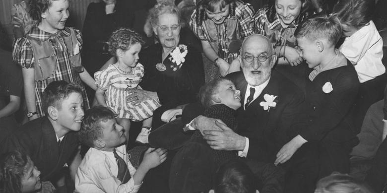 Heber J. Grant at family gathering, 1938